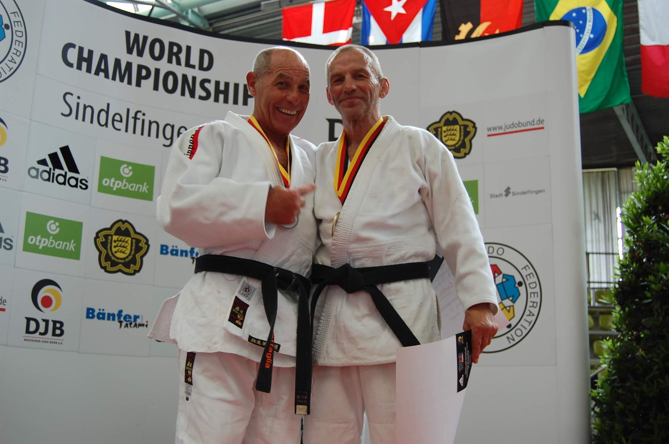 Чемпион Виктор Африканов (справа) и Джованни Баталлиа